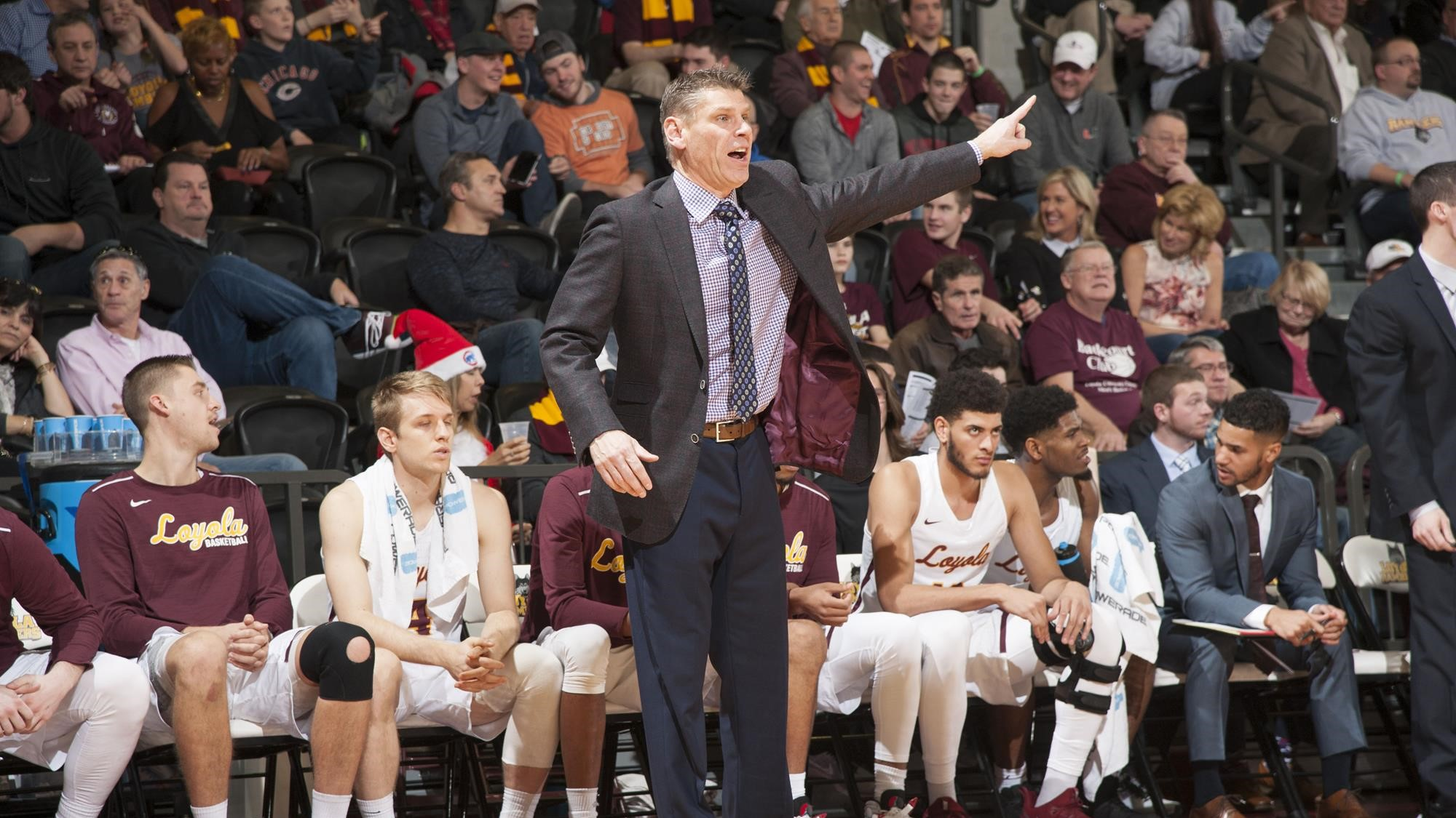 Loyola Men's Basketball Staff To Hold Coaches Clinic October